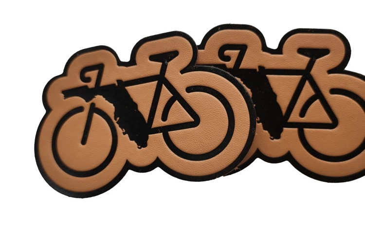 Sew-On Eco-Friend Real Leather Patch Brown Leather Badge Bicycle Engraved Logo PU Label Black Motorcycle Deboss Logo Jeans Patch