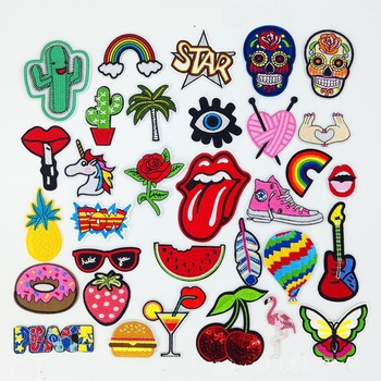 32PCS Embroidered Cartoon Cloth Stickers Decorative Children Subsidy Patches for Home Use