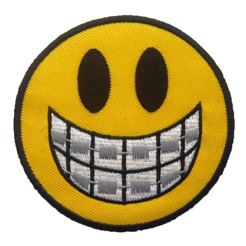 Custom Laughing Face Cloth Background Embroidered Patches Badges Grin Iron On Embroidery Patches
